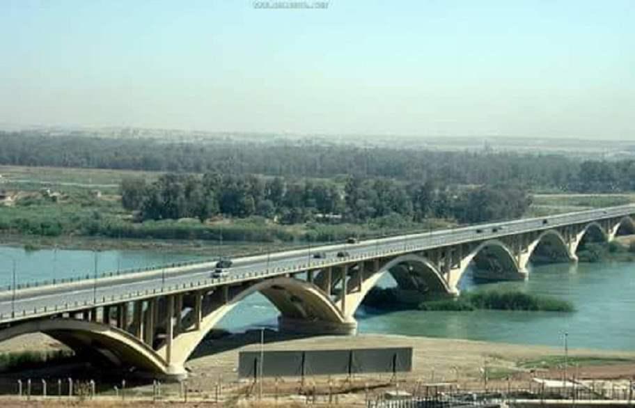 بالصور ..  اغلاق الجسر الخامس في الموصل لغرض الصيانة
