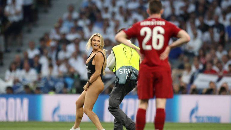 """مقتحمة مباراة ليفربول وتوتنهام: لاعبان من """"الريدز"""" يلاحقانني ولن أكشف سرهما"""
