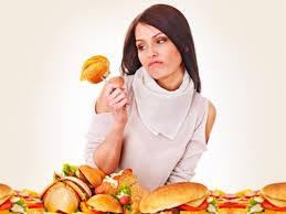 تعرف على الأطعمة التي تحسن مزاجك وأخرى تؤثر عليه سلبا