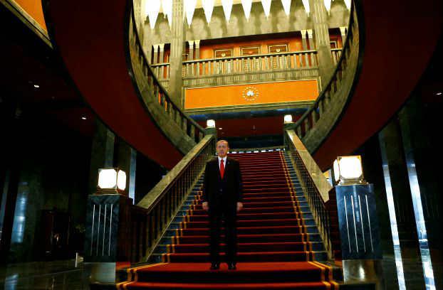 قصر اردوغان الجديد كلف 600 مليون دولار ويحوي 1000 غرفة وأكبر بـ 30 مرة من البيت الأبيض