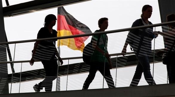 أجور النساء أقل من الرجال بـ21% في ألمانيا