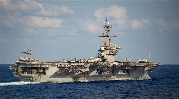 البحرية الأمريكية تؤكد إقالة قائد حاملة طائرات التي تفشى فيها كورونا
