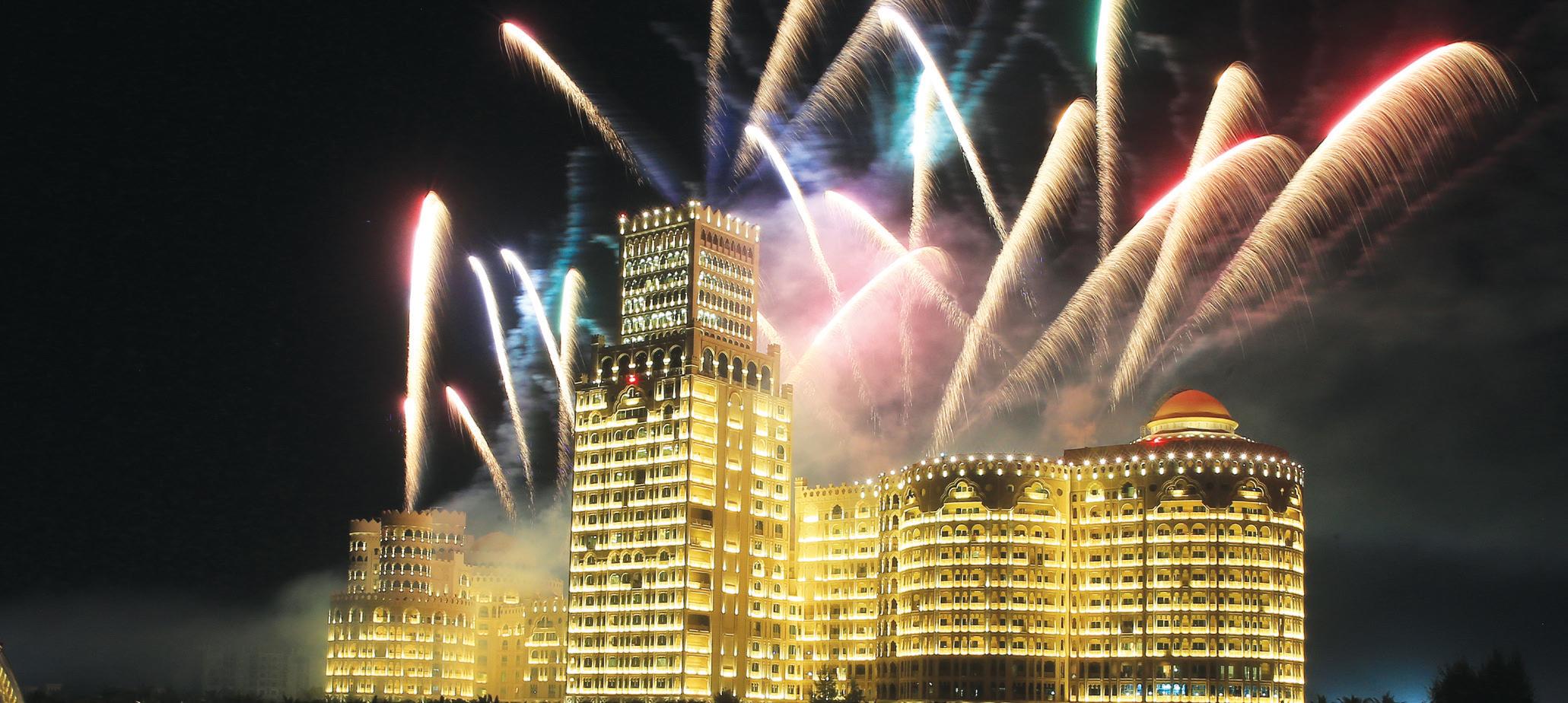 بالصور .. باستقبال 2018 .. برج خليفة يدخل غينس بأضخم عرض ليزر أبهر العالم