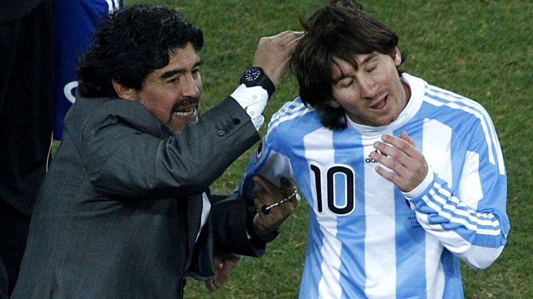 مارادونا يهاجم ميسي: لا يصلح للقيادة ويذهب للحمام 20 مرة قبل كل مباراة