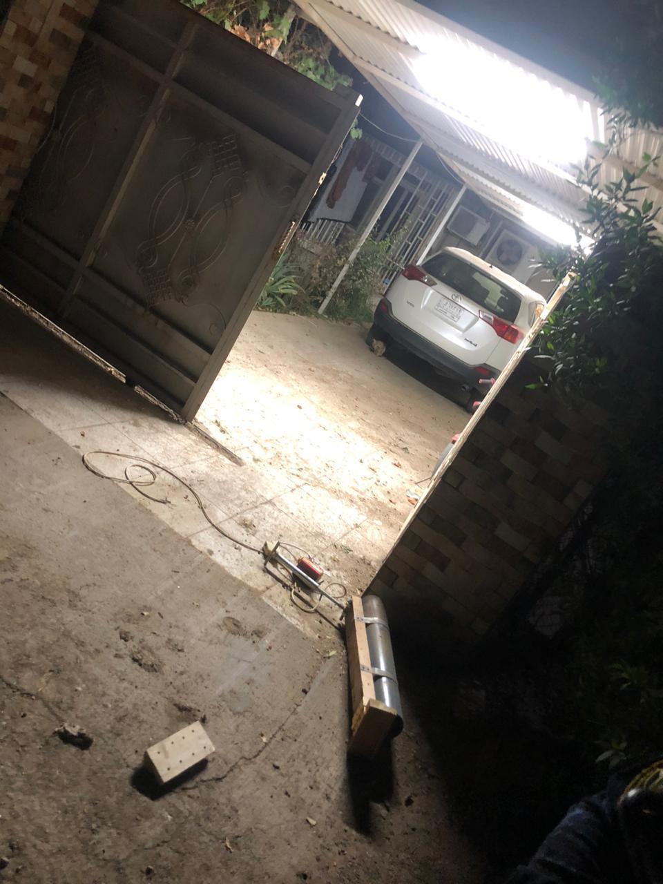 الاعلام الأمني: صاروخ الكاتيوشا تسبب بحرق عجلة مدنية في الجادرية