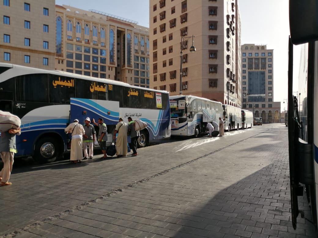 وصول 146 حافلة الى الديار المقدسة براً