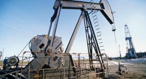 بسبب العقوبات على ايران ..  النفط يسجل 75 دولارا للمرة الأولى في 2019