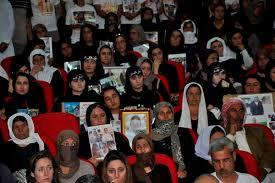 أهالي قرية كوجو يحيون الذكرى الرابعة لمجزرة ارتكبها داعش