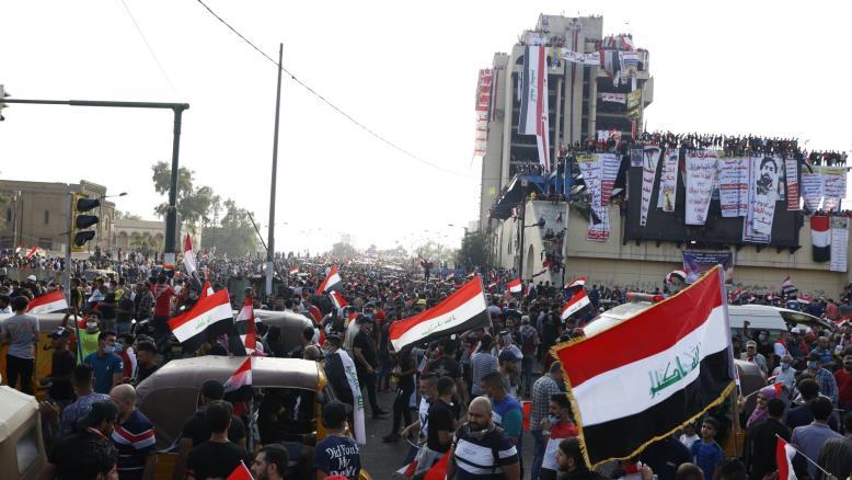 """""""جبل احد"""" ايقونة ايجابية لتظاهرات العراق وخارطة جميلة نقشت اسماء المواهب الشبابية"""