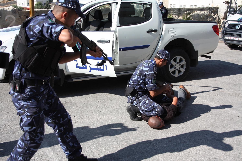 بالجرم المشهود.. اعتقال منتسبين اثنين بجهاز مكافحة الارهاب في شارع فلسطين ببغداد
