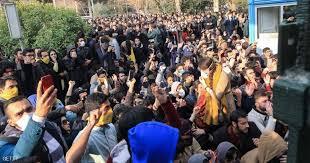 """غليان في إيران.. صرخات """"الموت لأميركا"""" تتحول """"للموت لخامنئي"""""""