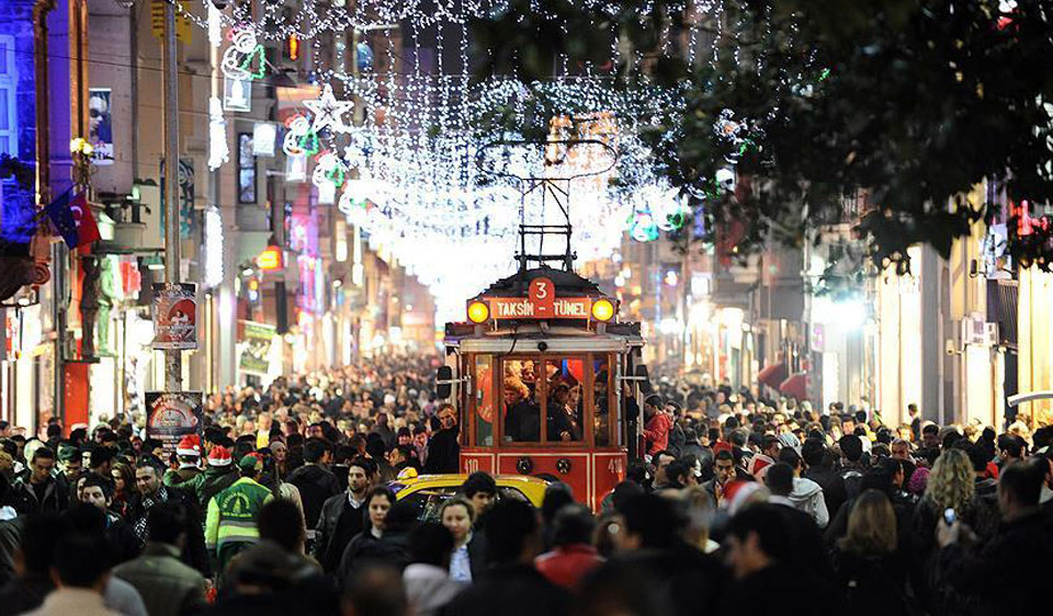 37 ألف شرطي لتأمين احتفالات رأس السنة في إسطنبول