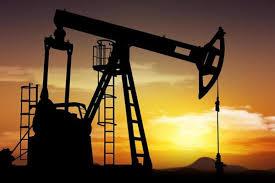 النفط قرب أعلى سعر منذ 2014 بدعم تخوفات تراجع المعروض