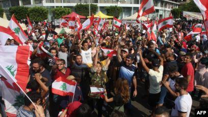 """شيعة جنوب لبنان يستلهمون """"انتفاضة"""" أقرانهم في العراق"""