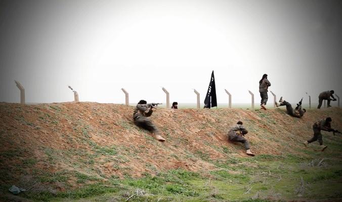 """الاتحادية: أعداد الإرهابيين المتواجدين في الساحل الأيمن من مدينة الموصل تتجاوز الـ """"ثلاثة آلاف"""" عنصر"""