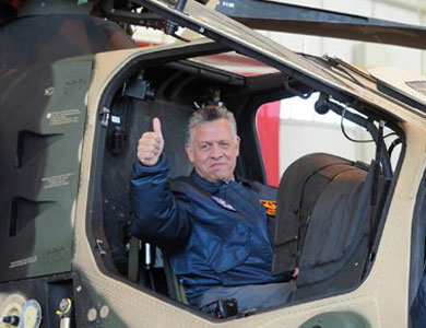 King Abdullah II is leading a squadron of planes bombed Daash sites in Mosul in revenge for Xasbh