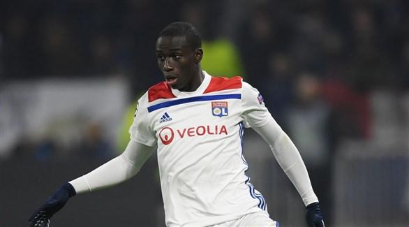 مدرب فرنسا يؤكد انتقال ميندي لريال مدريد