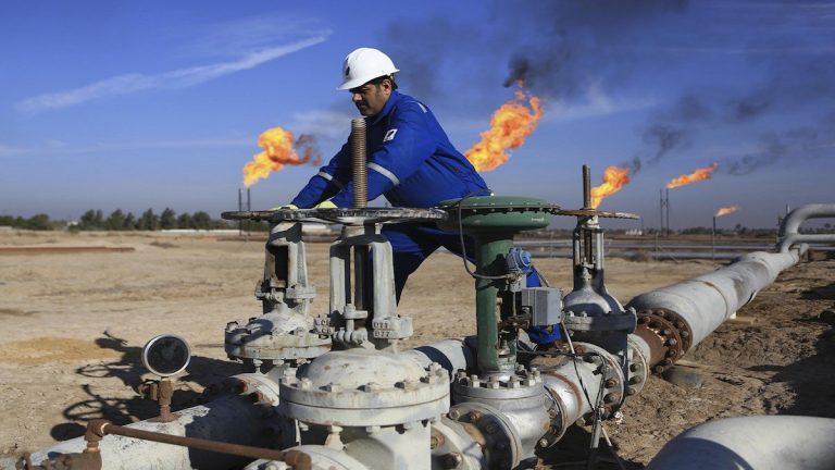 خبيرة اقتصادية: العراق مقبل على أزمة كبيرة مع انخفاض أسعار النفط