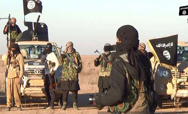 داعش يعدم أربعة قضاة ويفجر مبنى محكمة استئناف الموصل