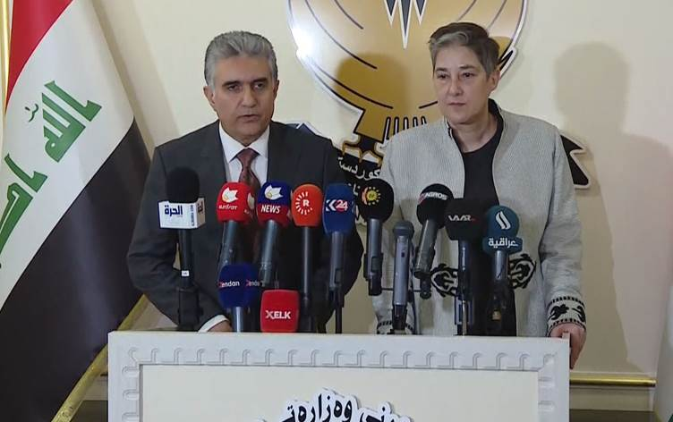 كردستان تتوقع وصول 250 ألف لاجئ من سوريا وتطالب بغداد بالمساعدة