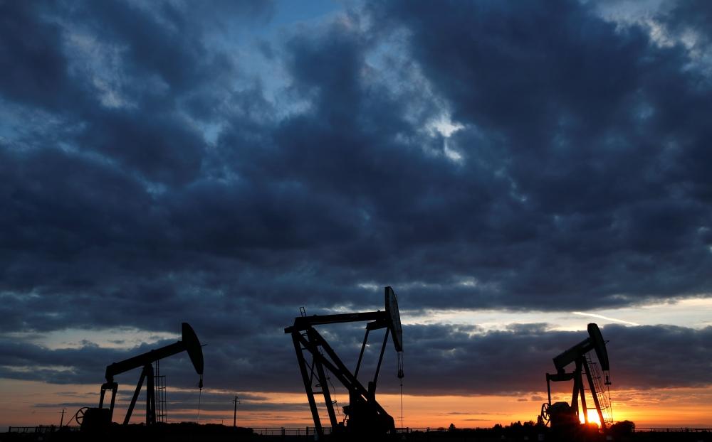 النفط يرتفع بفعل انخفاض المعروض الأميركي وعقوبات وشيكة على إيران