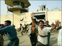 """إقرأ التفاصيل الكاملة.. ناجون من سجن بادوش يروون عملية اعدام """"داعش"""" لـ 670 شيعيا"""