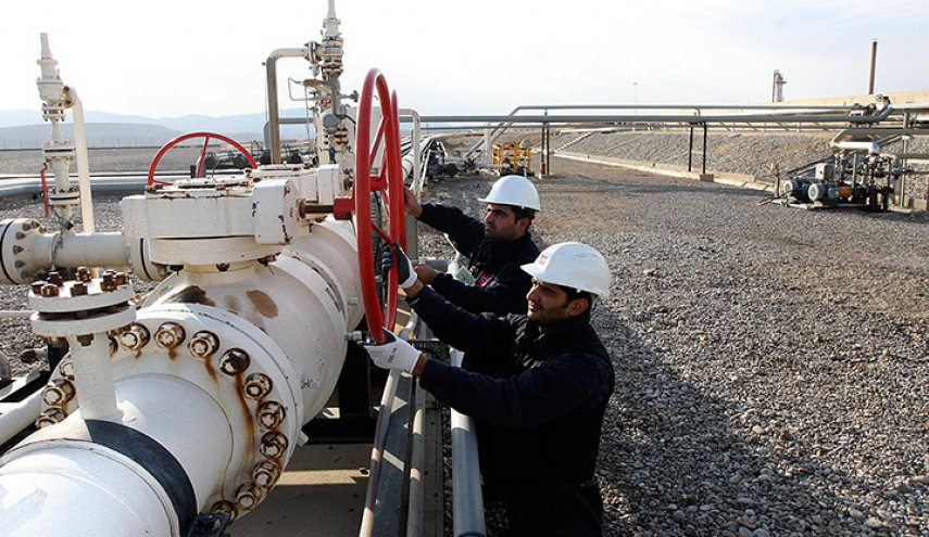 النفط تعلن تحقيق نحو 3.5 مليار دولار من بيع النفط خلال تموز