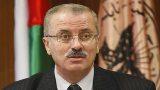رئيس الوزراء الفلسطيني يعود الى عمله دون حسم موضوع استقالته