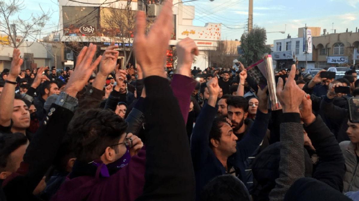 مقتل أربعة متظاهرين في مدينة خرمشهر جنوب إيران