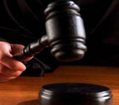 السجن المؤبد لموظف حكومي نتيجة اختلاس مبالغ مالية عن رسوم اجراءات تامين الشركات