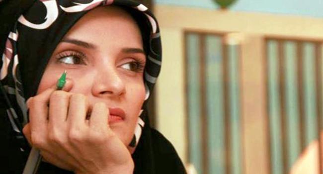 """تعرف على حكم القضاء الايراني بحق استاذة جامعية """"انتقدت"""" حكومة ولاية الفقيه!"""