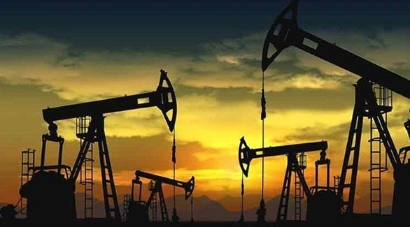 النفط يرتفع بفعل توترات إيران وتراجع المخزون الأمريكي