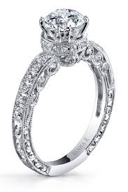 راتبه الشهري يصل حوالي المليون دولار ... وأهدى خطيبته هذا الخاتم ؟؟!