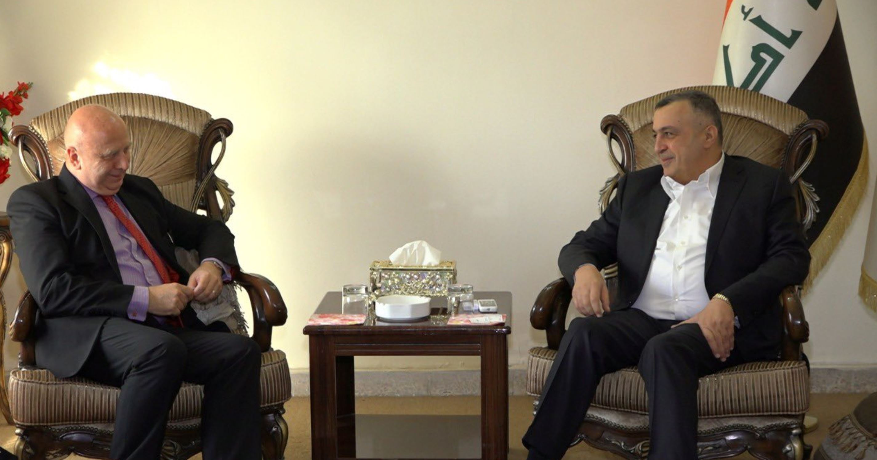 الكربولي يثمن الدور البريطاني في دعم مشاريع إعادة الإستقرار والإعمار في البلاد