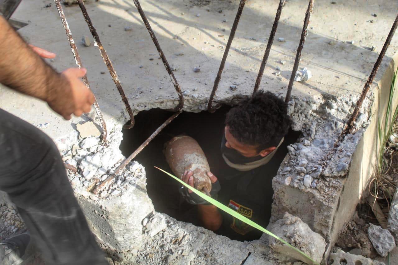 القبض على عنصرين إرهابيين والعثور على احزمة ناسفة في محيط بغداد