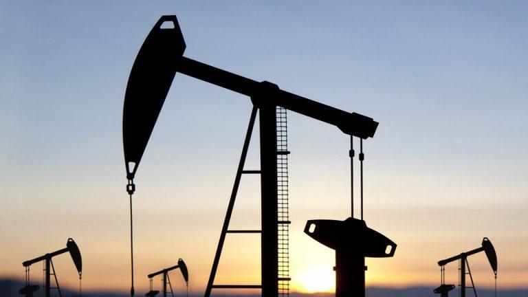 النفط مستقر وسط دعم مخاوف الشرق الأوسط وضغط تحقيق ترامب