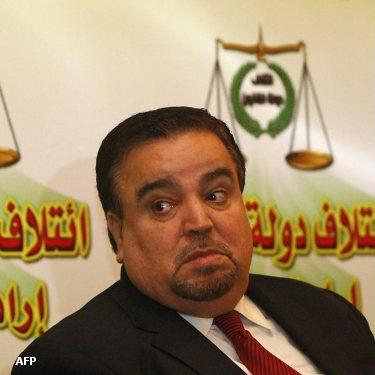 المالكي يسعى لدخول وزارة الدفاع من شباك الحسني!