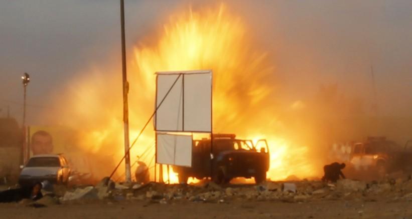 مقتل شخصين بتفجير سيارة مفخخة في سيناء