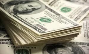 أسعار صرف الدولار تسجل انخفاضا في الاسواق المحلية