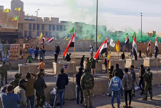 السفير الكندي يستنكر قصف السفارة الاميركية وإطلاق الصواريخ في الاحياء السكنية ببغداد