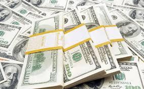 أسعار صرف الدولار تشهد ارتفاعا مقابل الدينار العراقي