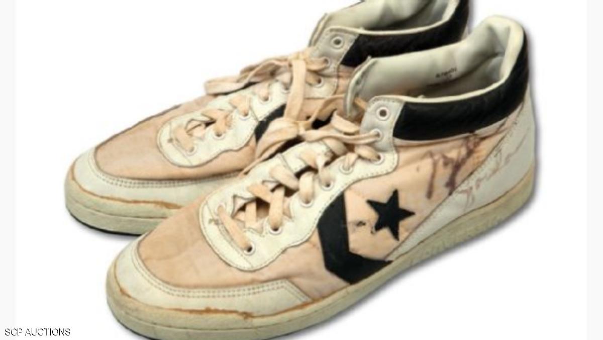 حذاء رياضي لمايكل جوردان يحطم رقما قياسيا كأغلى الأحذية المستعملة في المباريات