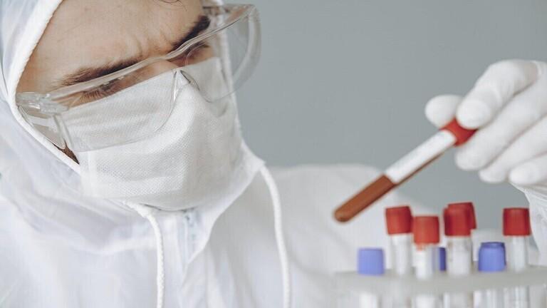 """دراسة: حتى المرض الخفيف بـ""""كوفيد-19"""" قد يمنح المصاب أجساما مضادة"""
