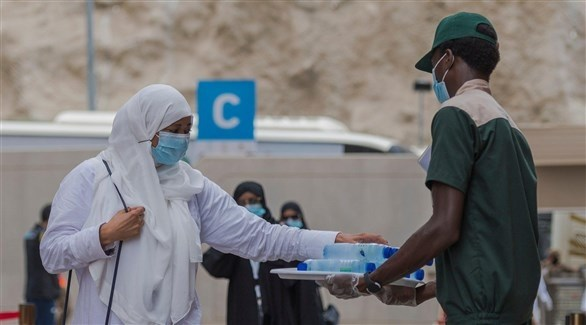 الحجاج على عرفات وسط إجراءات احترازية مشددة