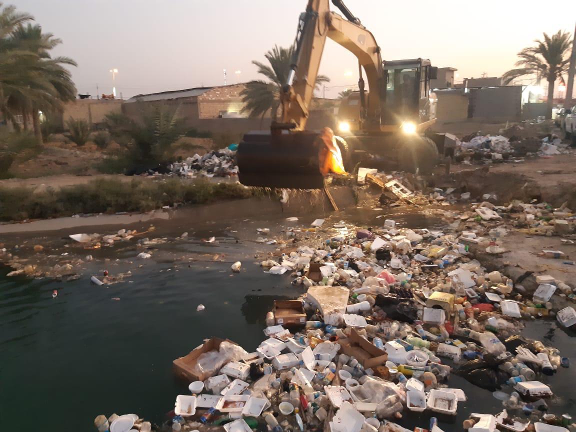 الموارد المائية تدعو المواطنين وأصحاب المواكب لعدم رمي النفايات في الأنهار بكربلاء