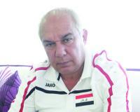 """رد مدرب منتخبنا على الاعلامي """" علي نور """" .. لا تكن منافق وتخلق الفتنه اذا كنت عراقي شريف!"""