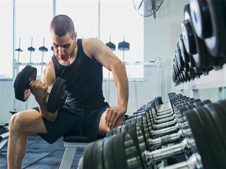 أطعمة ومشروبات يجب أن تمتنع عن تناولها قبل وبعد التمارين الرياضية