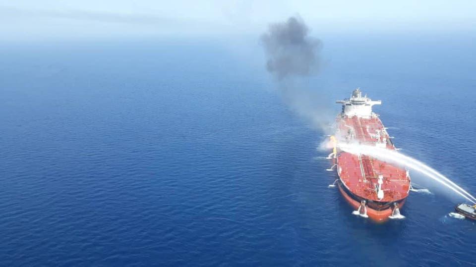 الجيش الأميركي: ساعدنا بإجلاء 21 بحاراً من سفينة بخليج عمان
