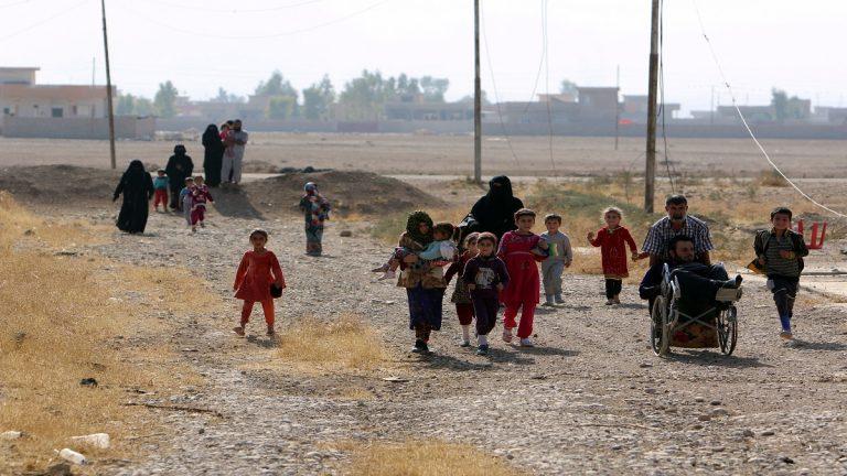 فرار أكثر من 2300 شخص من شمال سوريا إلى العراق