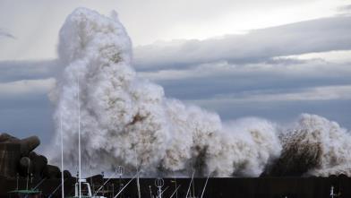بسبب اعصار لان... الغاء الرحلات الجوية باليابان وتعطيل السكك الحديدية